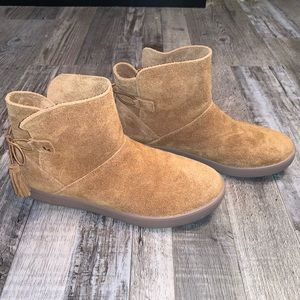 Koolaburra by ugg tan skyller bootie boot